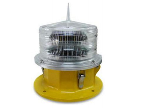 Type A: Medium intensity obstruction light