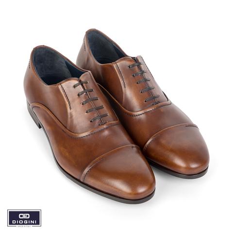 Những mẫu giày màu nâu đẹp hút mắt 2020