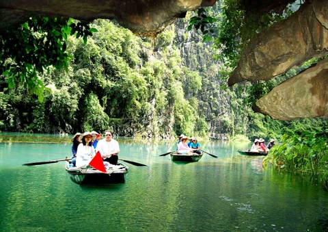 Hanoi - Ninh Binh Private Transfer by 7 Seats MPV