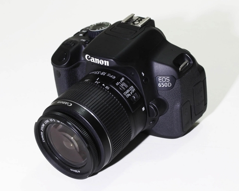 Canon EOS Rebel T4i / 650D len 18-55mm IS II