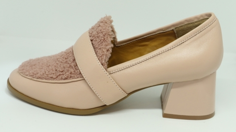 WANTED - SHOES PALE PINK/BLACK LEATHER