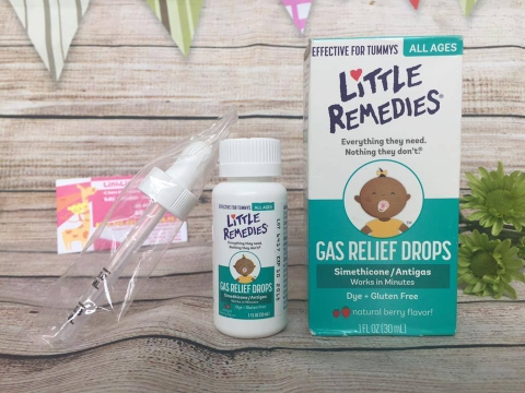 Siro tan biến ợ hơi Little Remedies Tummys Gas Relief Drops Natural Berry Flavor