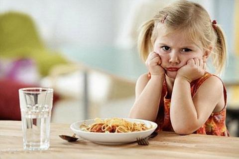 Khắc phục tình trạng biếng ăn ở trẻ nhờ vitamin tổng hợp