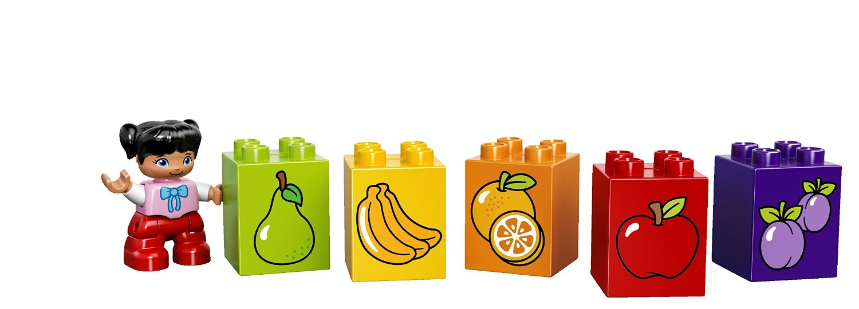 Mô hình Lego và số hoa quả