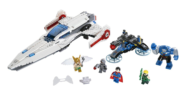 Toàn bộ chi tiết sản phẩm LEGO 76028  với những mảnh ghép được thiết kế đẹp mắt, nổi bật