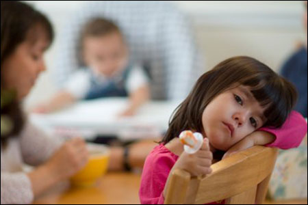 Cách kỷ luật bé phù hợp theo từng độ tuổi (0-2 tuổi) - Trẻ 0-2 tuổi còn chưa nhận thức rõ về hành vị của mình