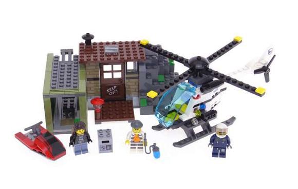 Mô hình chi tiết đồ chơi Lego City 60131  - Tội phạm biển