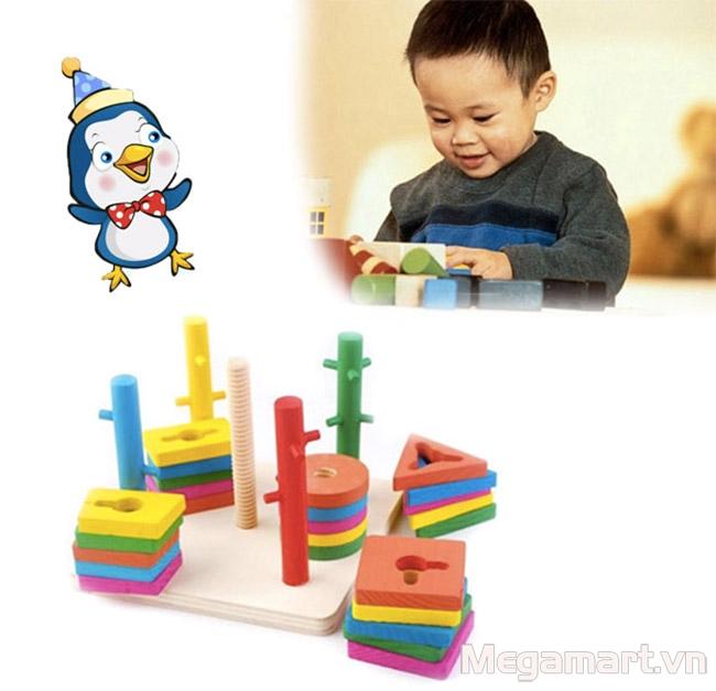 Nên cho trẻ 4 tuổi chơi nhiều đồ chơi thông minh cùng với đọc sách cho trẻ