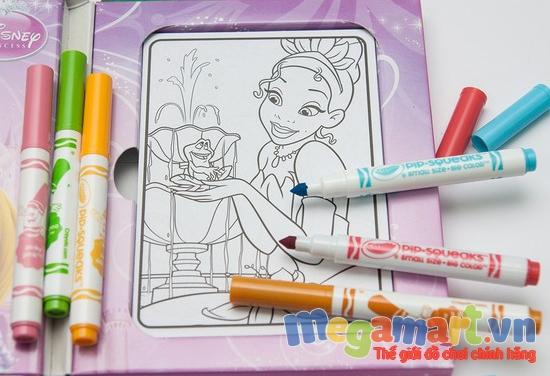 Có nhiều bộ tập giấy và bút tô màu chất lượng các hình ảnh được nhiều bé yêu thích