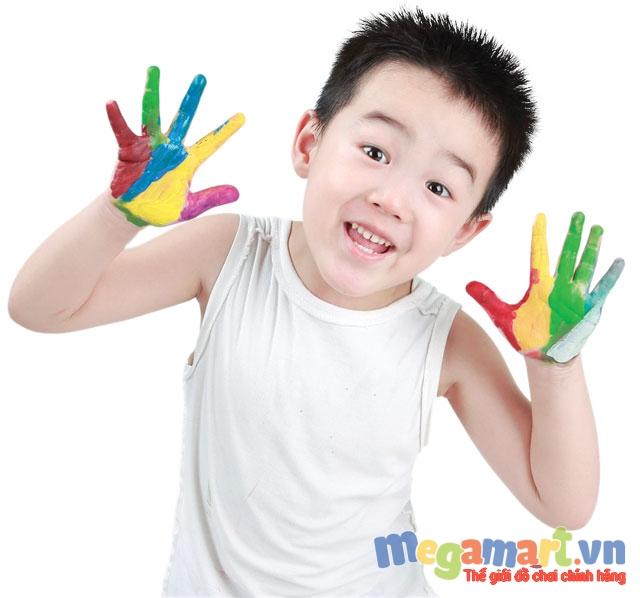 Tô màu đem lại rất nhiều lợi ích cho sự phát triển của bé ngay từ nhỏ