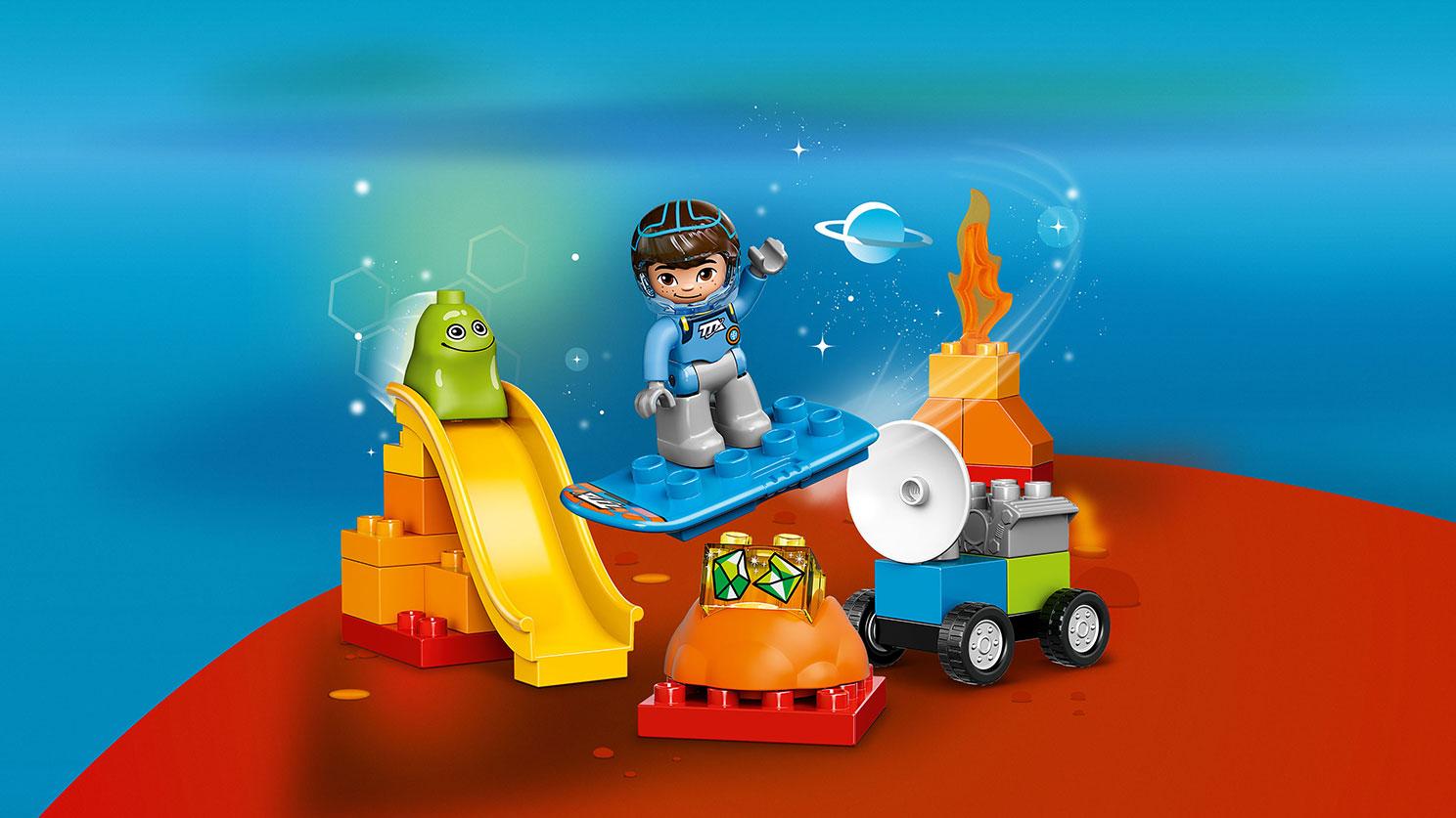 Các chi tiết chính trong bộ Lego Duplo 10824 - Mile Khám Phá Không Gian