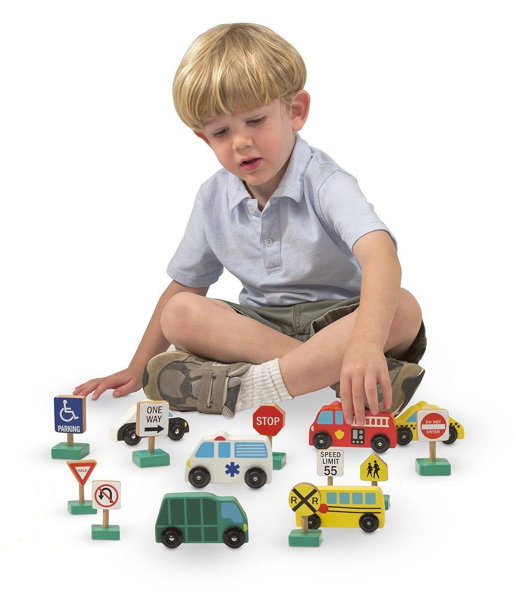 Bé sẽ có những giờ chơi bổ ích với đồ chơi giáo dục Melissa & Doug Bộ xe và biển báo giao thông