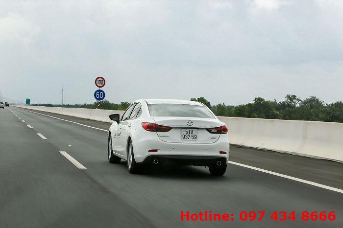 Hệ thống treo trên Mazda 6 với nhiều cải tiến mới đảm bảo khả năng cân bằng và ổn định khi vận hành ở tốc độ cao