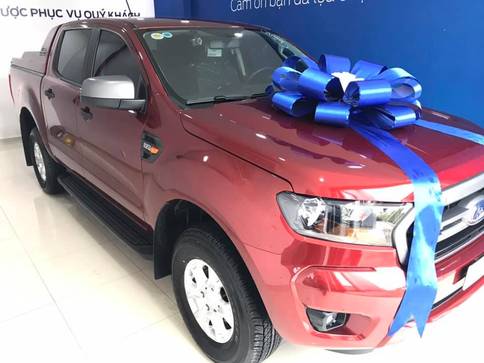 giao xe Ford Ranger XLS AT Đỏ