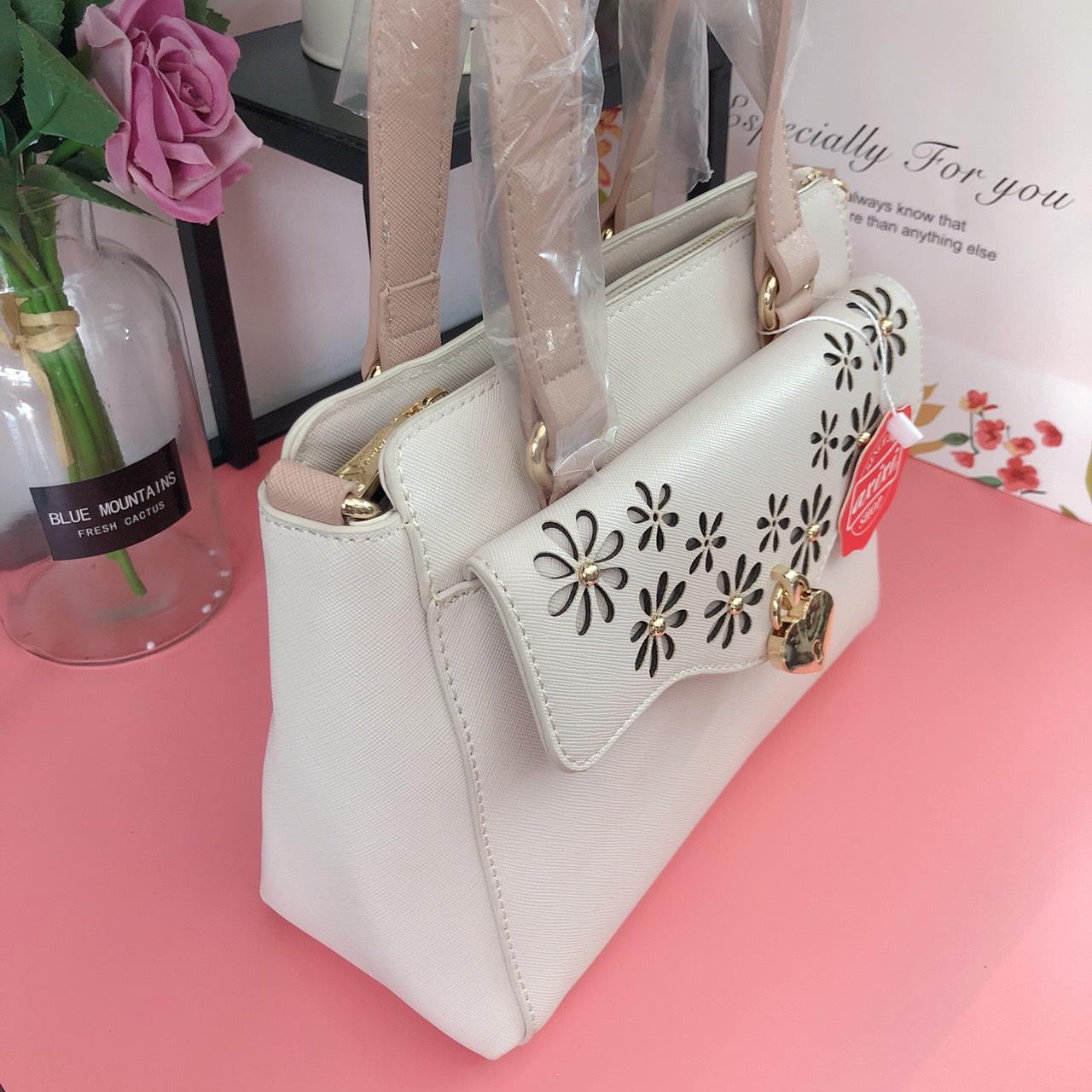 Túi Axixi hộp laze hoa khóa trái tim - AX168