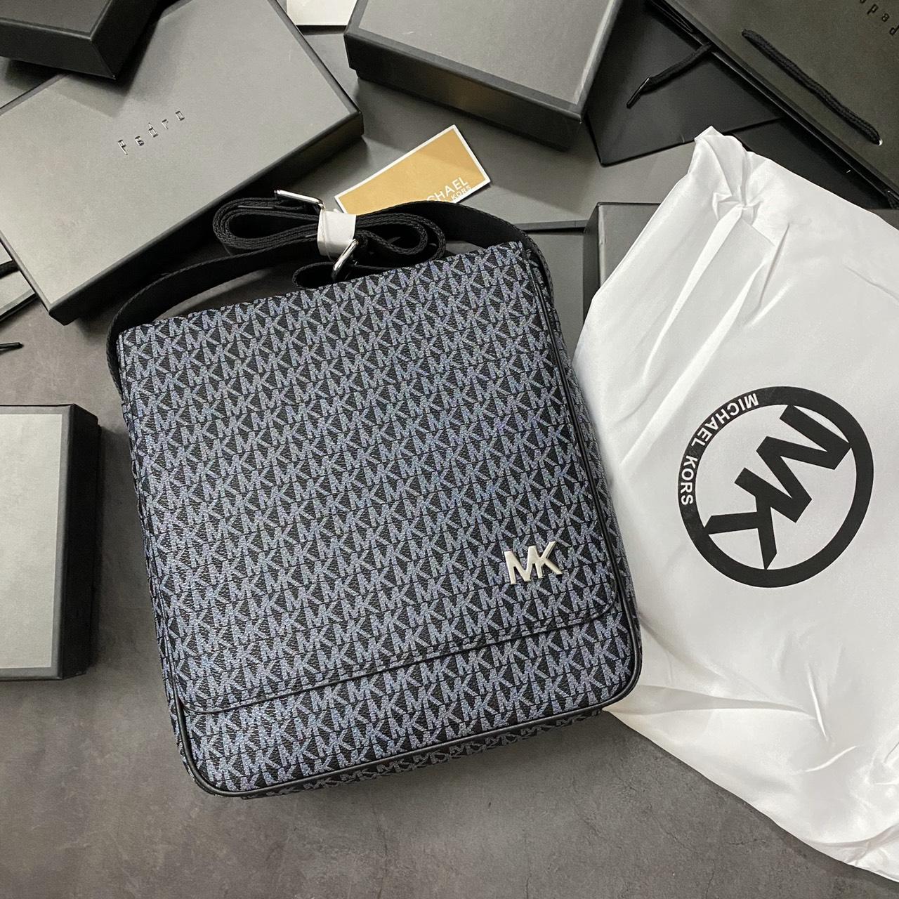 Túi nam MK vuông nắp gập chữ - MK10