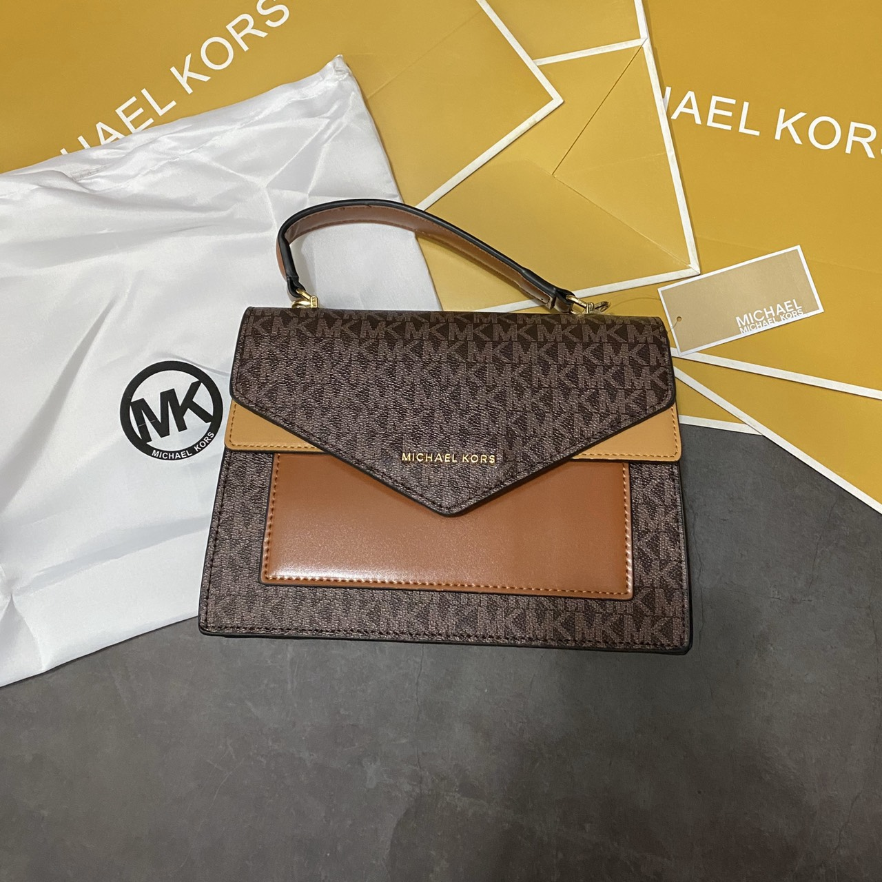 Túi MK hộp nắp chéo viền 2 màu - MK13