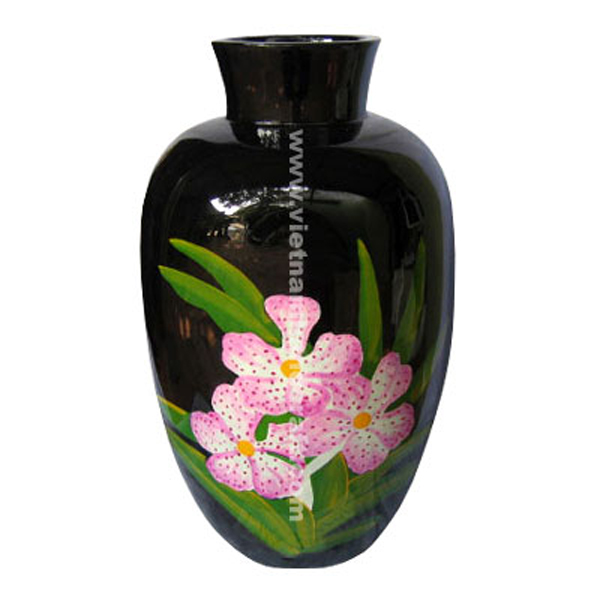 Black lacquer vase with hand-painted flower