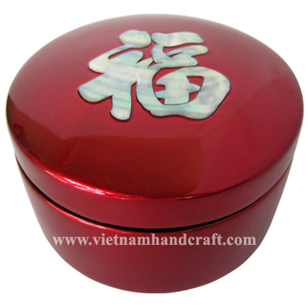 Red silver lacquered wooden gift box inlaid with mother of pearl Chinese symbol