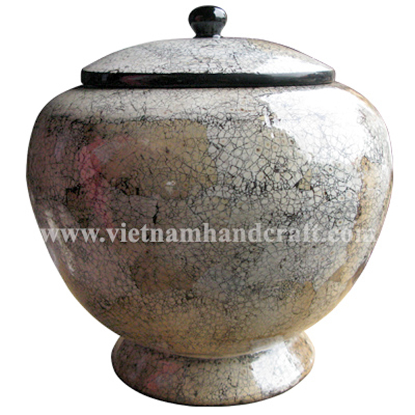 Lacquer bamboo decoration jar inlaid with eggshell