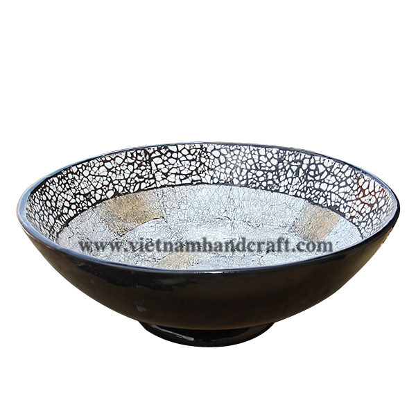 Black lacquered decor bowl with burnt eggshell inlay inside