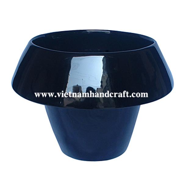 Black lacquer planter pot
