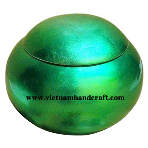 Mushroom-shaped lacquered wood box in green silver