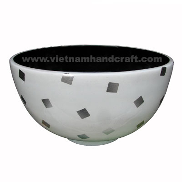 Lacquered bowl. Inside in black, outside in solid white with white silver leaf squares