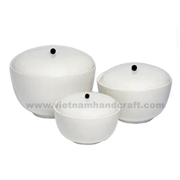 Lacquered storage bowl with lid