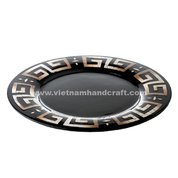 Black lacquered plate with Chinese symbol in burnt eggshell