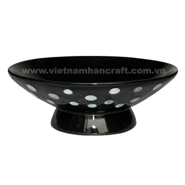 Lacquered decorative bowl with mother of pearl inlay outside