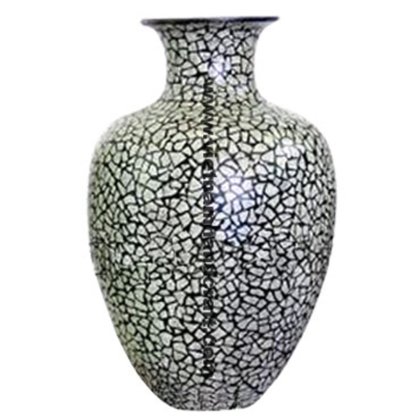 Black lacquered vase inlaid with white eggshell