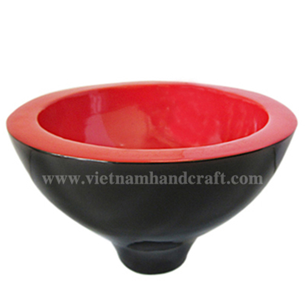 Lacquered wooden decoration bowl in red & black