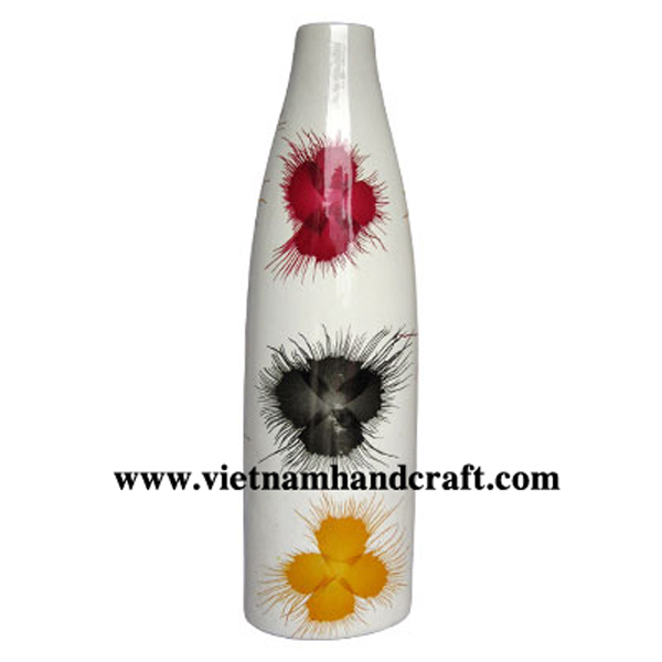 White ceramic lacquerware vase with hand-painted fireworks