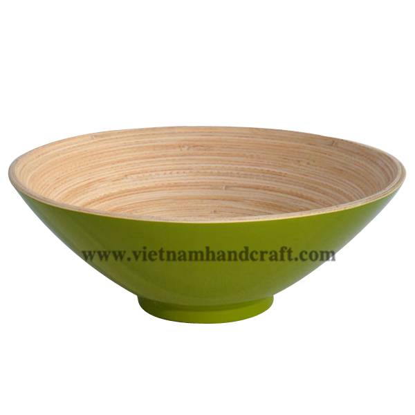 Lacquer bamboo decorative bowl. Inside in natural bamboo, outside in green