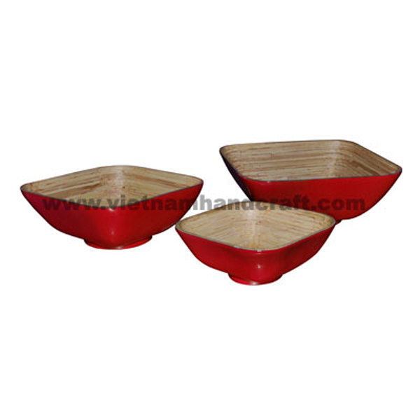 Lacquered bamboo storage bowl. Inside in natural bamboo, outside in solid red