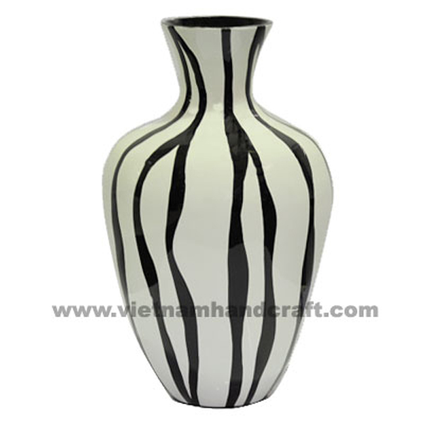 Bllack lacquer vase with solid white stripes