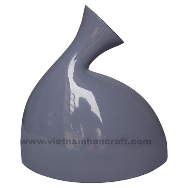 Lacquered decor vase in purple