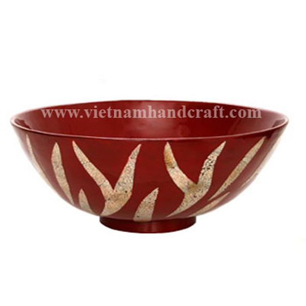 Red lacquered bowl with eggshell inlay outside