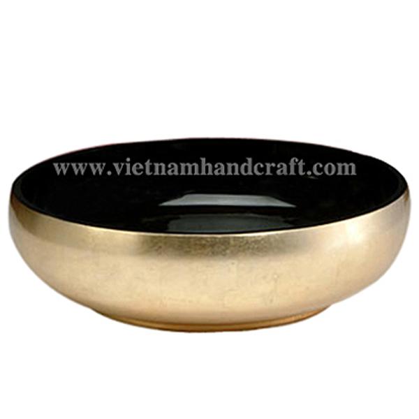 Lacquerware decor bowl. Inside in black, outside in light gold silver leaf