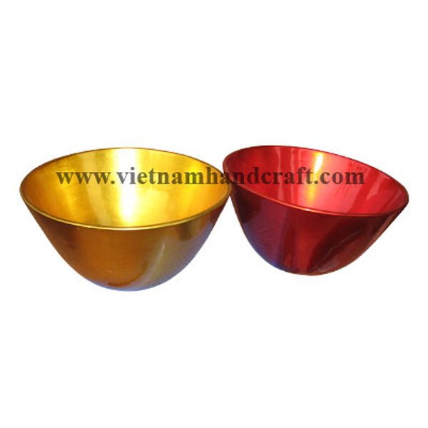 Lacquered bowl in gold silver leaf & silver metallic red