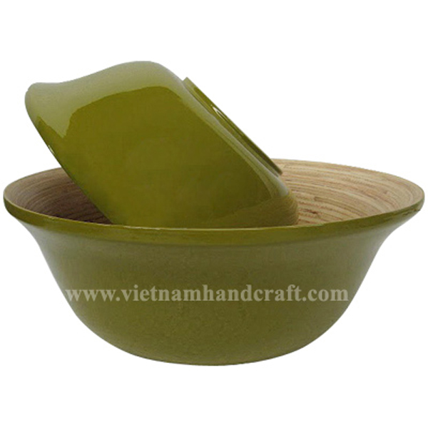 Lacquer bamboo food bowl. Inside in natural bamboo, outside in green