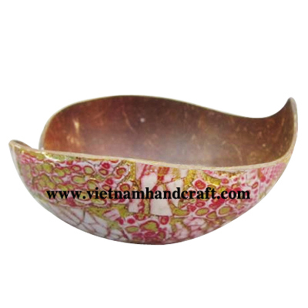 Lacquer coconut bowl. Inside in natural coconut shell, outside inlaid with eggshell & gold leaf