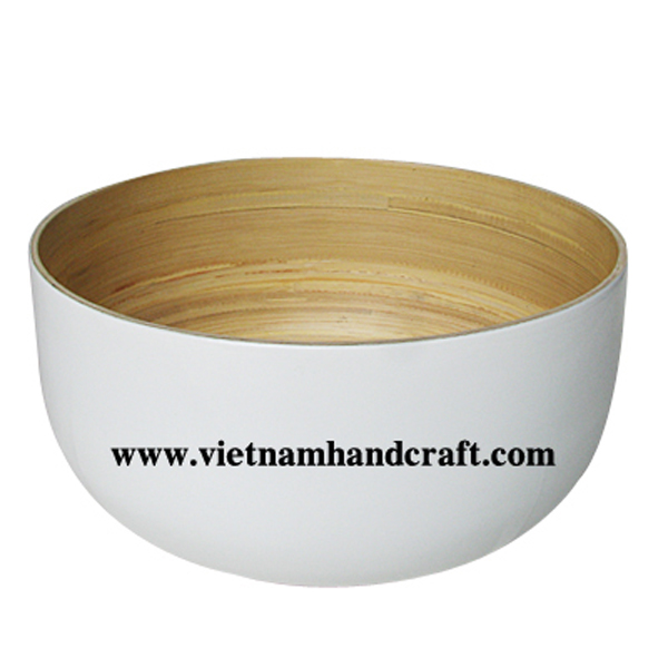 Lacquered bamboo food bowl. Inside in natural bamboo, outside in white
