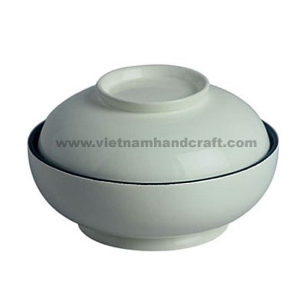 Lacquered storage bowl with lid. Inside in black, outside in grey