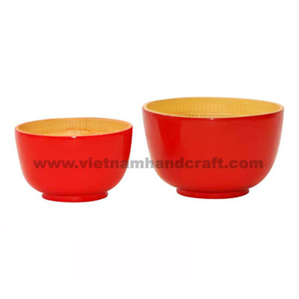 Lacquer bamboo bowl. Inside in natural bamboo, outside in solid red