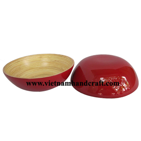 Lacquered bamboo serving bowl in natural bamboo & solid red