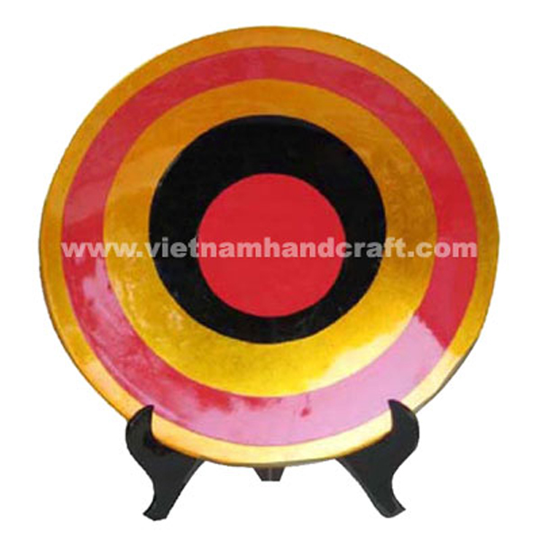 Gold silver leaf lacquered decor plate with hand-painted motifs and on black stand