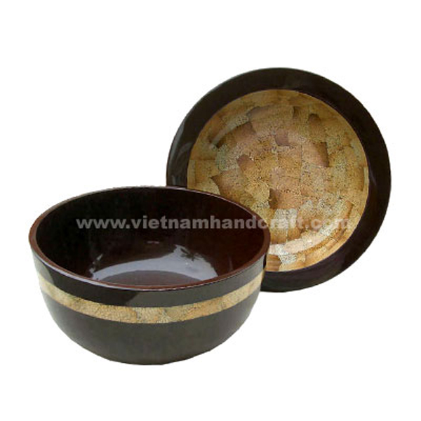 Lacquered wooden decor bowl with eggshell inlay