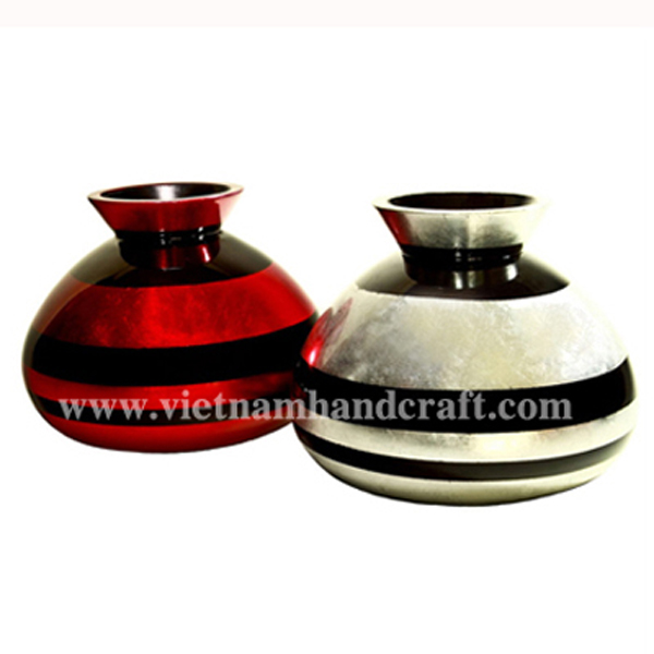 Set of 2 lacquer vases in white silver leaf & red silver with black stripes